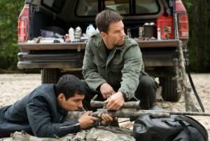 Michael Peña (Nick Memphis) en Mark Wahlberg (Bob Lee Swagger)