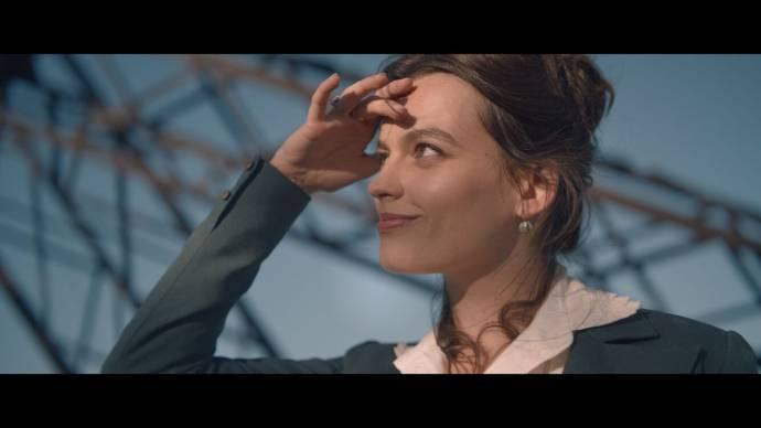 Emma Mackey (Adrienne Bourgès) in Eiffel