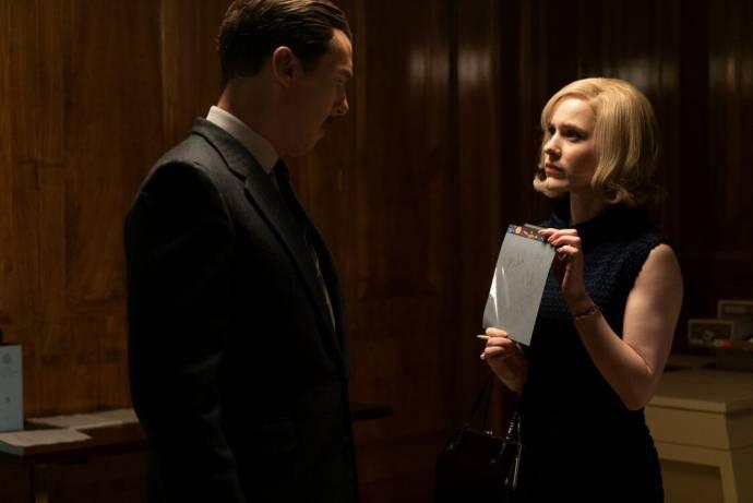 Benedict Cumberbatch (Greville Wynne) en Rachel Brosnahan (Emily Donovan) in The Courier