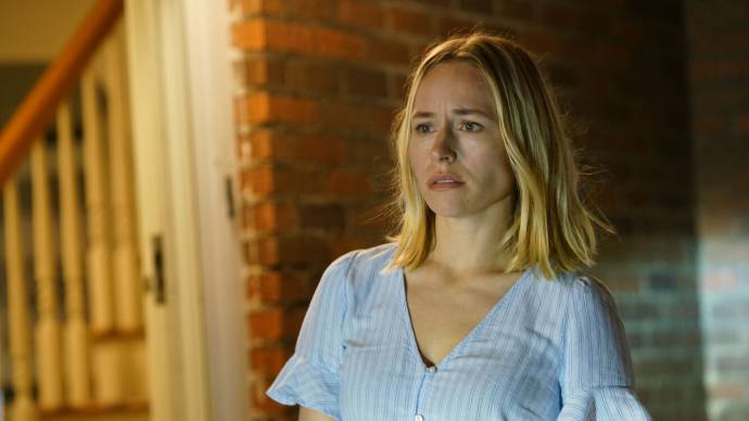 Sarah Goldberg (Claire) in The Night House