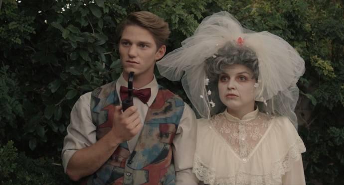 Nico Greetham (Oscar) en Anna Grace Barlow (Rose)