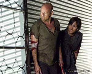 Justin Long (I) (Matt Foster) en Bruce Willis (John McClane)