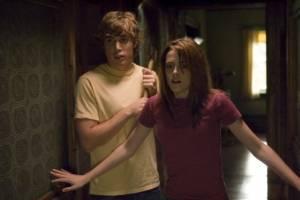 Dustin Milligan (Bobby) en Kristen Stewart (Jess)