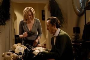 Richard E. Grant (Franklin Wilhern) en Catherine O'Hara (Jessica Wilhern)