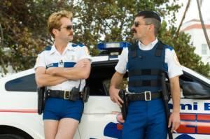 Ben Garant (Deputy Travis Junior (as Robert Ben Garant)) en Thomas Lennon (Lieutenant Jim Dangle)