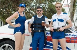 Ben Garant (Deputy Travis Junior (as Robert Ben Garant)), Kerri Kenney (Deputy Trudy Wiegel (as Kerry Kenney-Silver)) en Thomas Lennon (Lieutenant Jim Dangle)