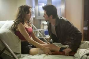 Rose McGowan (Cherry) en Freddy Rodríguez (Wray)