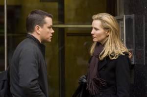 Joan Allen (Pamela Landy) en Matt Damon (Jason Bourne)