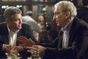 George Clooney (Michael Clayton) en Sydney Pollack (Marty Bach)
