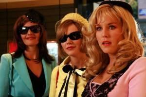 Hadewych Minis (Estelle), Bracha van Doesburgh (Kitty) en Sanne Wallis de Vries (Nicolette)