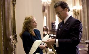 Amy Adams (Bonnie Bach) en Tom Hanks (Rep. Charlie Wilson)