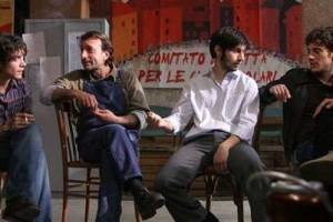 Elio Germano (Accio Benassi) en Riccardo Scamarcio (Manrico Benassi)