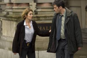 Billy Burke (Detective Eric Box) en Diane Lane (Agent Jennifer Marsh)