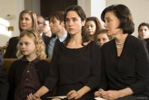 Jennifer Connelly (Grace Learner) en Elle Fanning (Emma Learner)