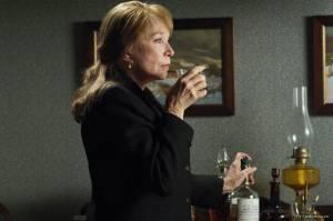 Shirley MacLaine (Ethel Ann)