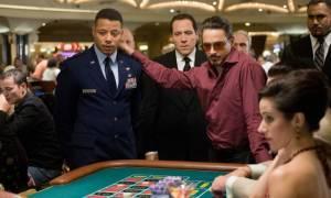 Robert Downey Jr. (Tony Stark / Iron Man), Jon Favreau (Hogan) en Terrence Howard (Jim Rhodes)