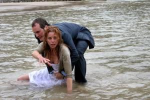 Fernando Cayo (Carlos) en Belén Rueda (Laura)