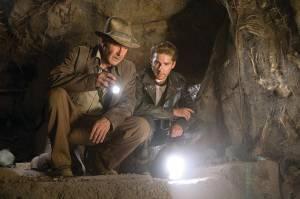 Harrison Ford (Indiana Jones) en Shia LaBeouf (Mutt Williams)