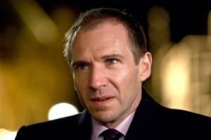 Ralph Fiennes (Harry Waters)