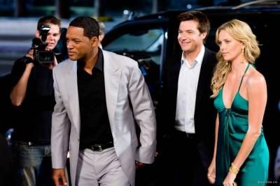 Jason Bateman (Ray Embrey), Will Smith (Hancock) en Charlize Theron (Mary Embrey)