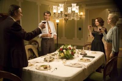 Pierce Brosnan (Richard Langley), Patricia Clarkson (Pat Allen), Chris Cooper (Harry Allen) en Rachel McAdams (Kay Nesbitt)