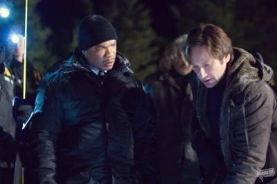 Xzibit (Agent Mosley Drummy (as Alvin 'Xzibit' Joiner)) en David Duchovny (Fox Mulder)