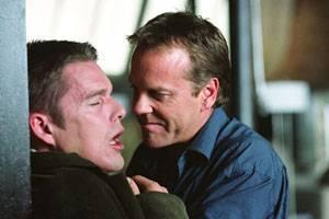 Ethan Hawke (Costa) en Kiefer Sutherland (Hart)