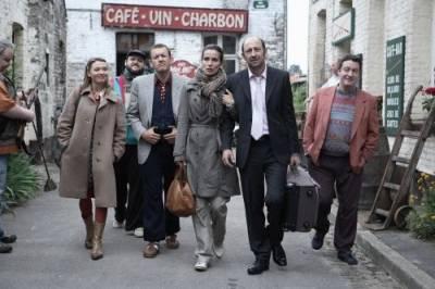 Dany Boon (Antoine Bailleul), Zoé Félix (Julie Abrams) en Kad Merad (Philippe Abrams)