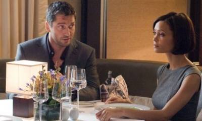 Gerard Butler (One Two) en Thandie Newton (Stella)
