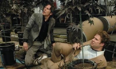 Gary Cole (Ted Jones) en Seth Rogen (Dale Denton)