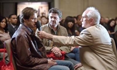 Jim Carrey (Carl Allen) en Terence Stamp (Terrence Bundley)