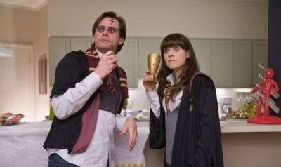 Jim Carrey (Carl Allen) en Zooey Deschanel (Renee Allison)
