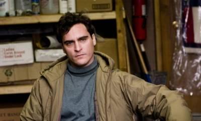 Joaquin Phoenix (Leonard)