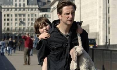 Nicholas Gleaves (Lenny) en Sidney Johnston (The Boy)