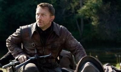 Daniel Craig (Tuvia Bielski)