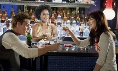 Mary Elizabeth Winstead (Lauryn), Riley Smith (Russ) en Tessa Thompson (Dana)