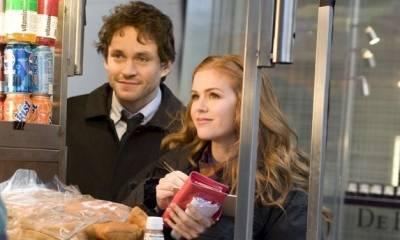 Hugh Dancy (Luke Brandon) en Isla Fisher (Rebecca Bloomwood)
