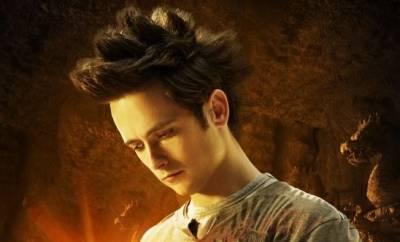 Justin Chatwin (Goku)