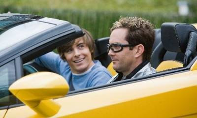 Zac Efron (Mike O' Donnell (Teen)) en Thomas Lennon (Ned Gold)