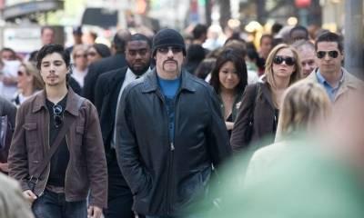 John Travolta (Ryder) in The Taking of Pelham 1 2 3