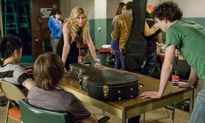 Gaelan Connell (Will Burton) en Alyson Michalka (Charlotte Banks (as Aly Michalka))