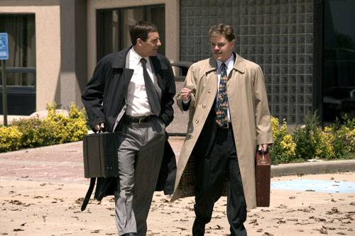 Scott Bakula (Brian Shepard) en Matt Damon (Mark Whitacre)