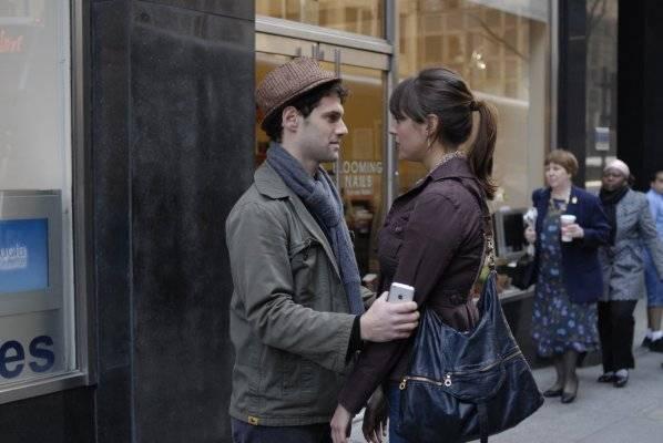 Eva Amurri (Sarah (Transitions)) en Justin Bartha (Sarah's Boyfriend (Transitions))