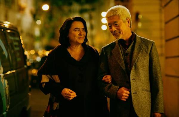 Josiane Balasko (Renée Michel) en Togo Igawa (Kakuro Ozu)