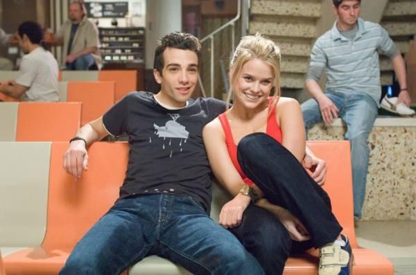 Jay Baruchel (Kirk) en Alice Eve (Molly)
