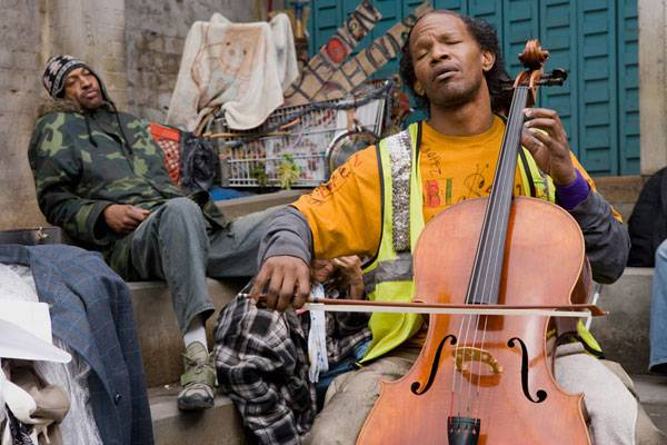 Jamie Foxx (Nathaniel Ayers) in The Soloist
