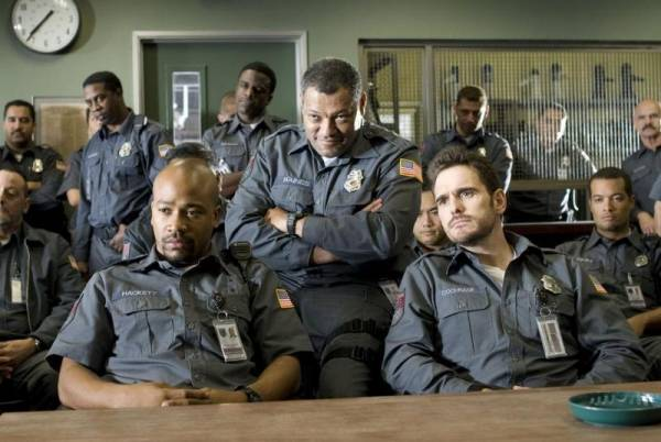 Matt Dillon (Mike Cochrone), Laurence Fishburne (Baines) en Columbus Short (Ty Hackett)