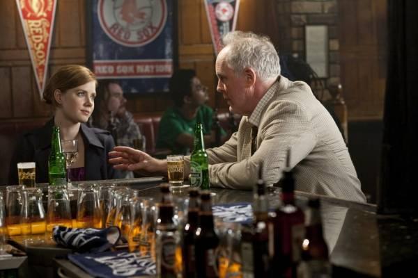 Amy Adams (Anna) en John Lithgow (Jack)