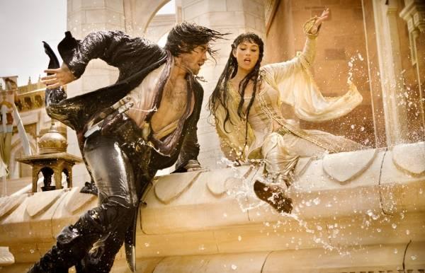 Gemma Arterton (Tamina) en Jake Gyllenhaal (Prince Dastan) in Prince of Persia: The Sands of Time