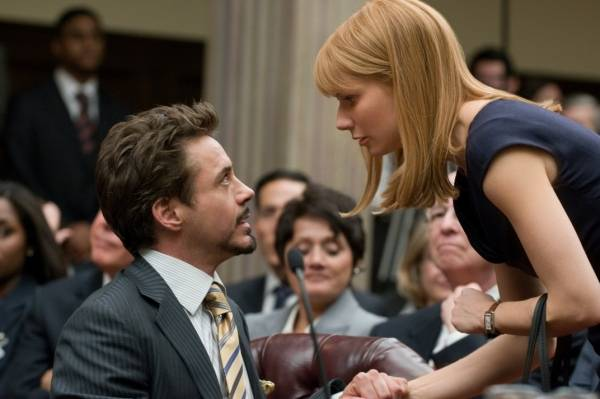 Robert Downey Jr. (Tony Stark / Iron Man) en Gwyneth Paltrow (Pepper Potts)